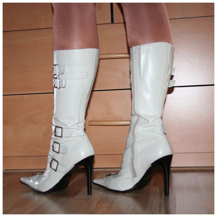 bronx high heels stiefel gr 40 wei e lederstiefel mit schnallen spitz. Black Bedroom Furniture Sets. Home Design Ideas